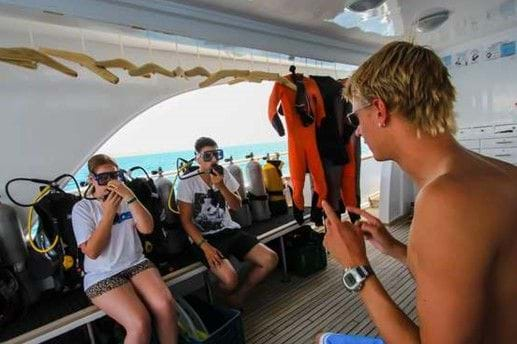 What to expect of a full day excursion with introductory dive?